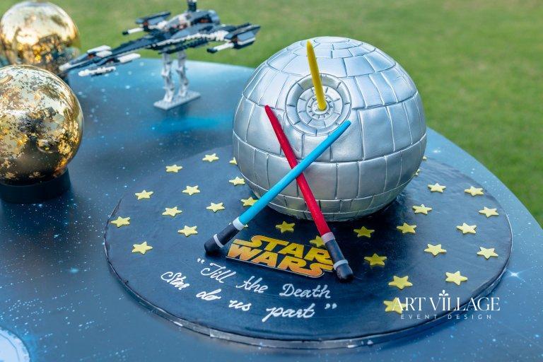 customized cake design in UAE