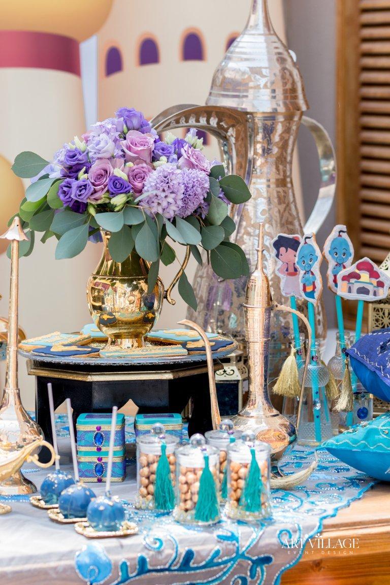 gold Arabic teapot centrepieces