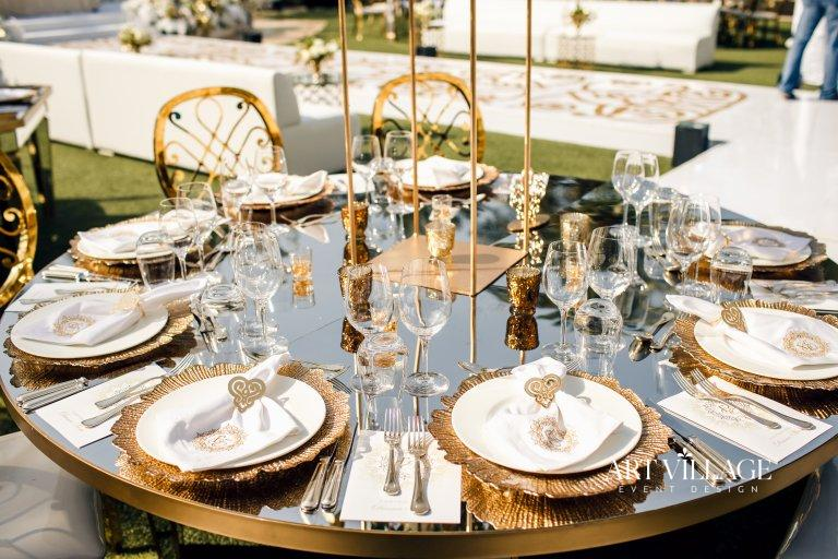 elegant table decoration Four Seasons