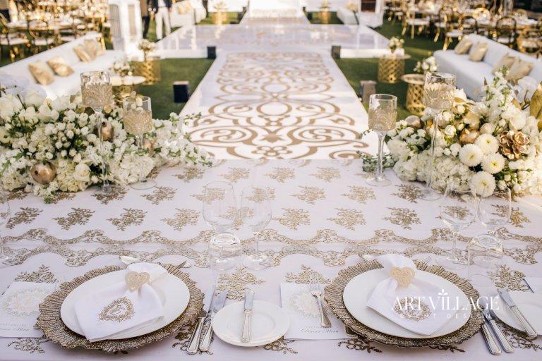 white and gold wedding theme