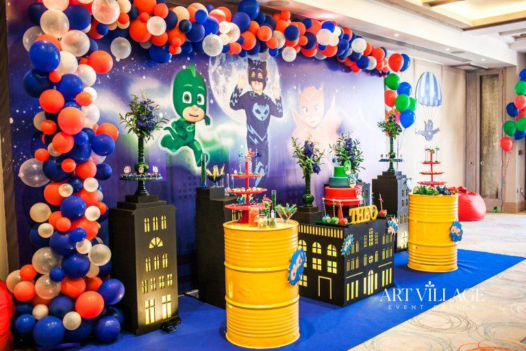 best balloon garland backdrop