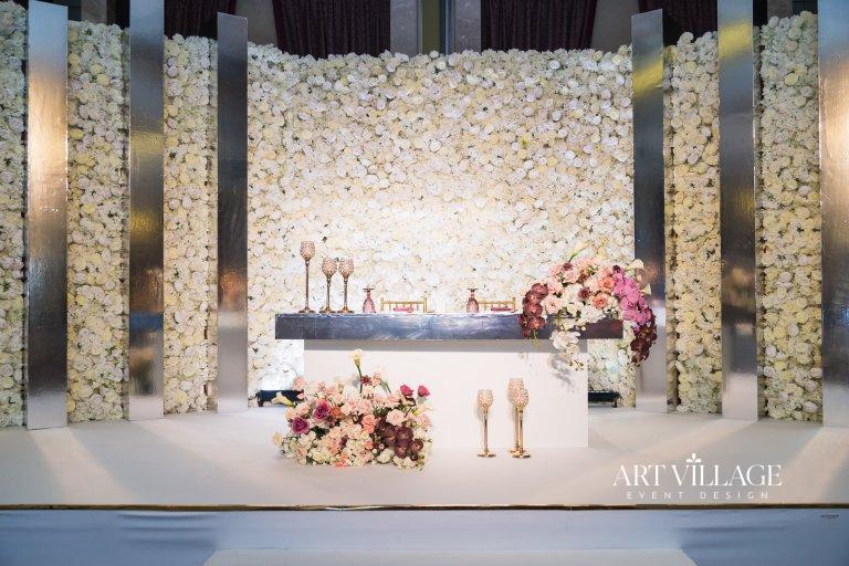 elegant sweetheart table arrangement UAE