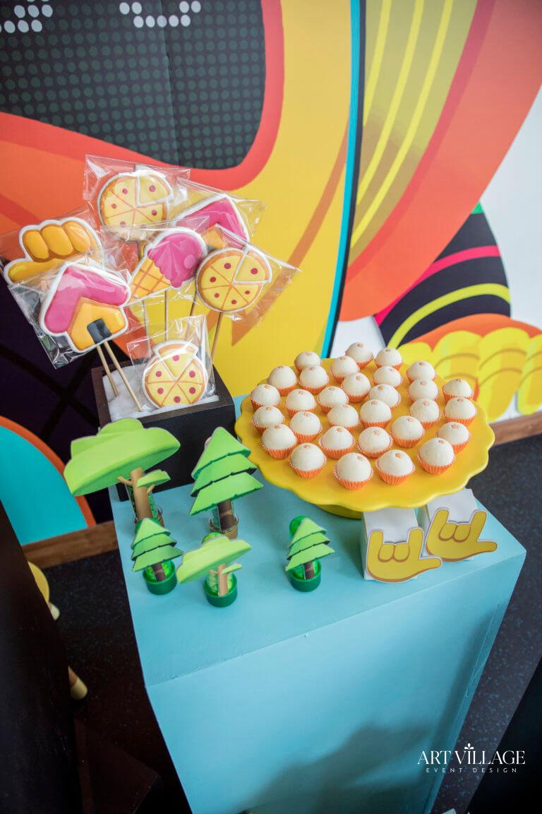 Kids customized sweet stands